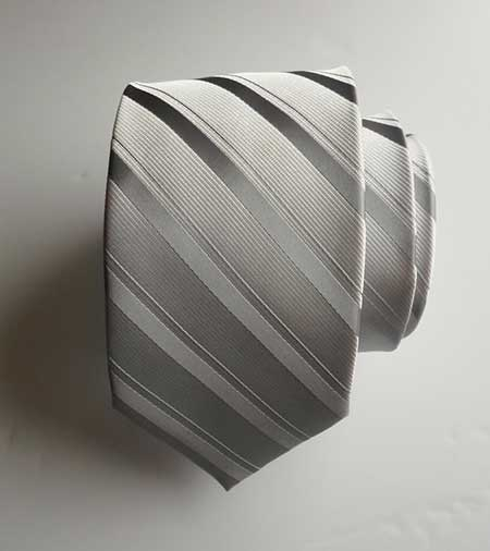 gravata prata