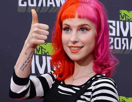cabelo rosa feminino