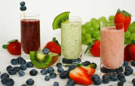 sucos com frutas