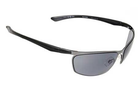 óculos escuros para praia